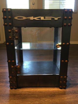 Oakley Stretch Limited Edition Counter - Top Display/tower