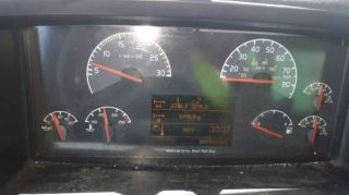 Green 2010 Tractor Truck With 600,  000 Miles