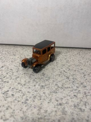 Hot Wheels Vintage Redlines - 1969 - Classic '31 Ford Woody - Orange - Usa