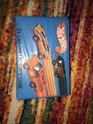Hot Wheels 24 Car Collectors Case With 21 Cars