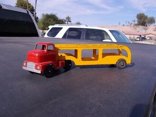 Vintage Tootsietoy Tootsie Toy International Semi Truck Tractor Car Auto Trailer
