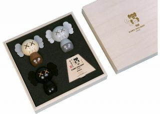 Kaws:holiday Japan Limited Kokeshi Doll Set Le 1000 - In Hand -