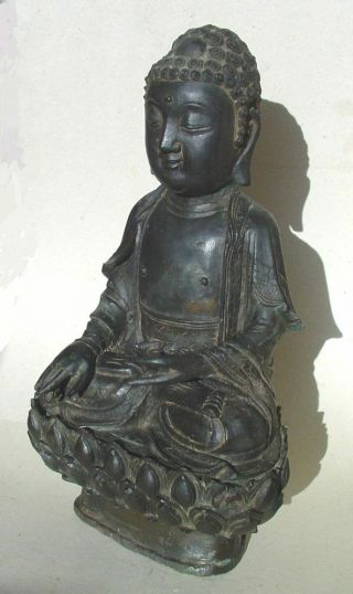 Large Ming dynasty bronze figure of Buddha 10
