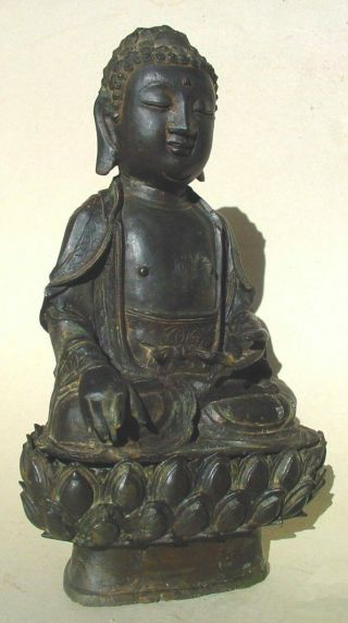 Large Ming dynasty bronze figure of Buddha 5