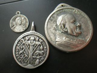 The Passion Of Christ Silver Medal & Pope John Xxiii,  Leone Xiii & 1 Other