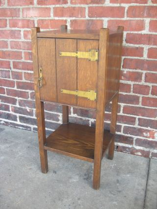 Antique Mission Oak Smoking Cabinet Smoker/vice Stand Table Arts&crafts 1910