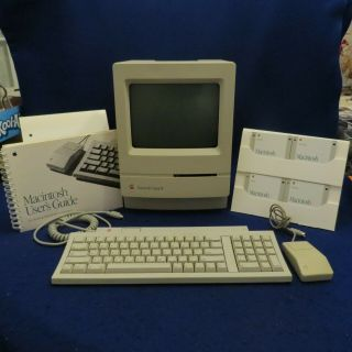 Vintage Apple Macintosh Classic Ii M4150 W/keyboard M0487,  Mouse & Software