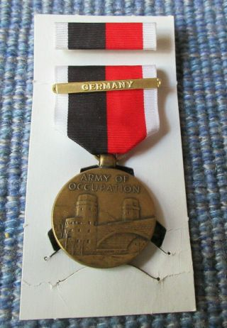 Vintage 1945 Wwii Army Of Occupation Germany Medal Set On Card