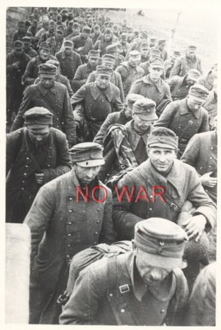 Wwii War Photo German Pow Officers & Soldiers On March
