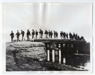 1937 Company L 15th Infantry Regiment Crossing Canal Tientsin China News Photo