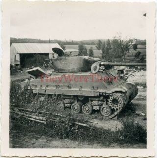Wwii Photo - Us M4 Sherman Tank Knocked Out By German Panzerfaust - Germany