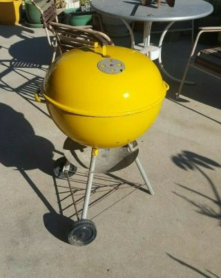 Vintage Weber Kettle Grill 21 Inch Yellow Arlington Heights Ill.